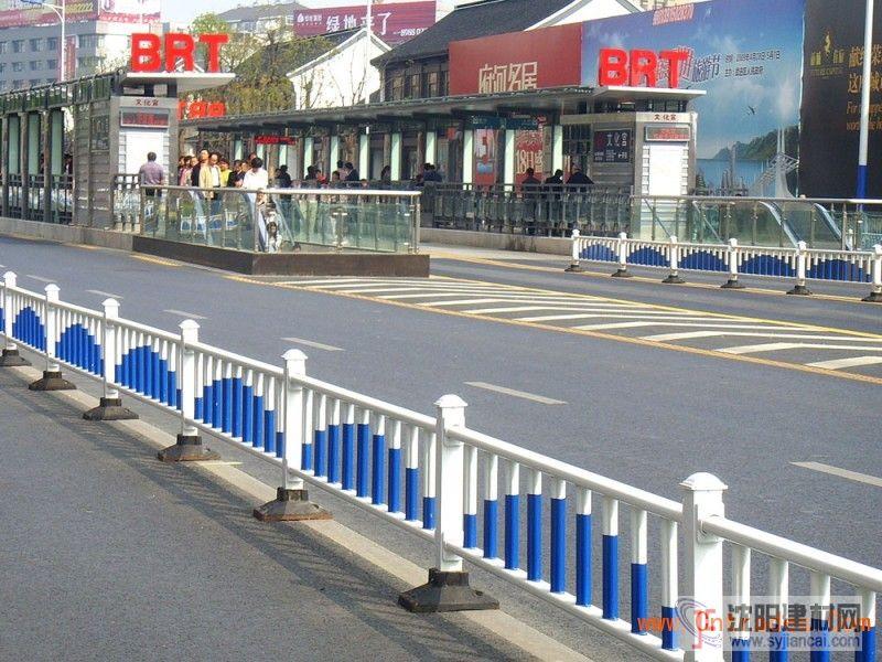 供應市政護欄網|隔離柵|道路隔離柵|PVC隔離柵