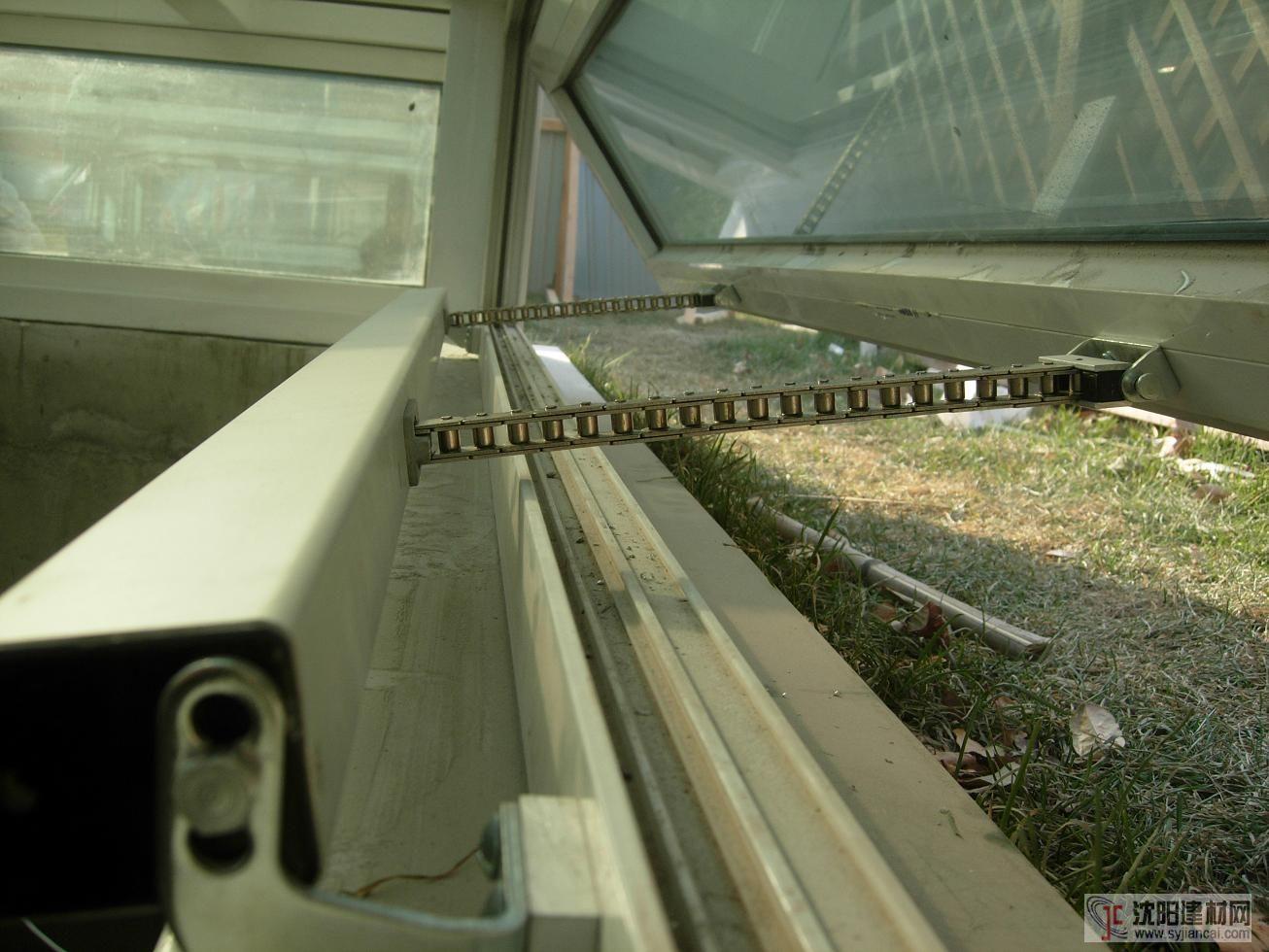 福州體育館電動開窗器是品牌廠家鴻威電動開窗器