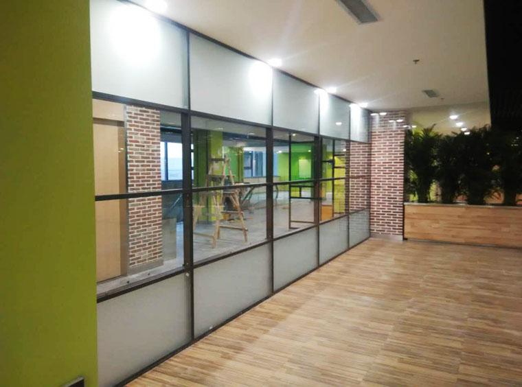 沈阳方科玻璃隔断-华能电力集团 施工项目